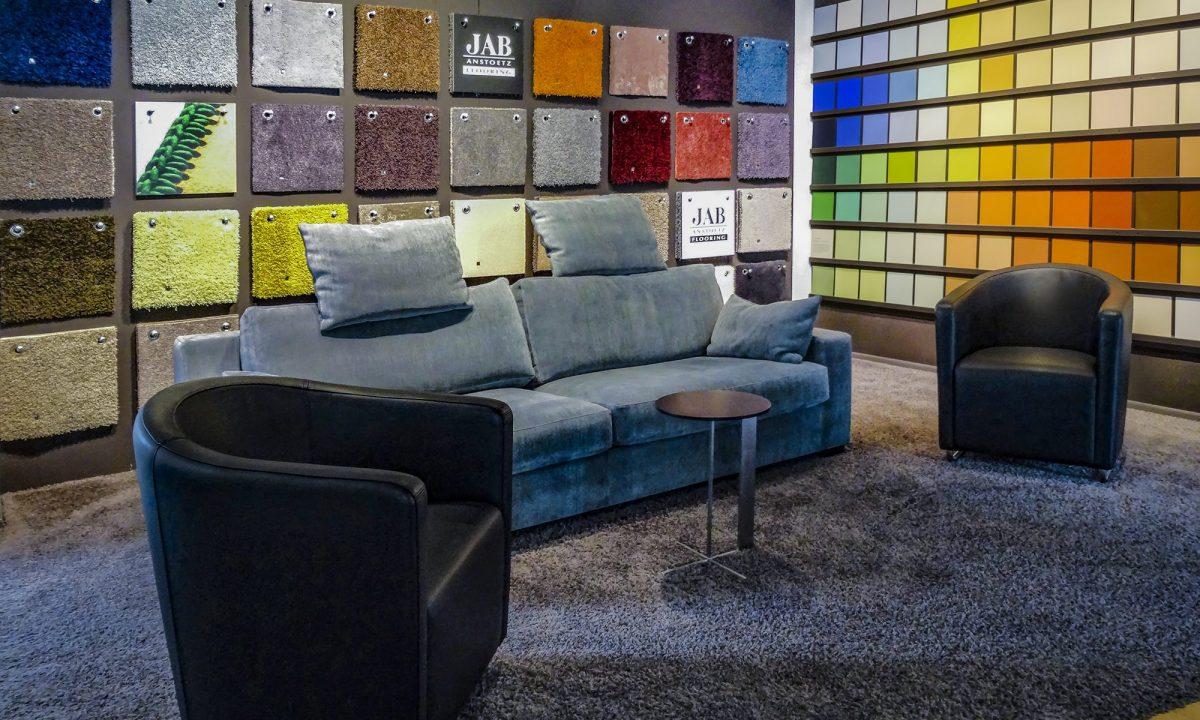 Showroom mit Möbeln von BW Bielefelder Werkstätten und ipdesign